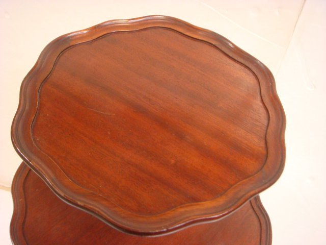 Mahogany 3 Tiered Pie Crust Table: - 4
