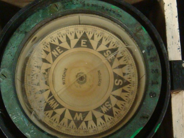 E. S. Ritchie & Sons Gimbaled Boat Compass in Box: - 2