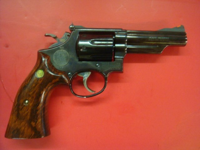SMITH & WESSON, MODEL 19.3 TEXAS RANGER W/BOWIE KNIFE - 5