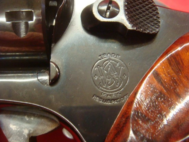 SMITH & WESSON, MODEL 19.3 TEXAS RANGER W/BOWIE KNIFE - 6