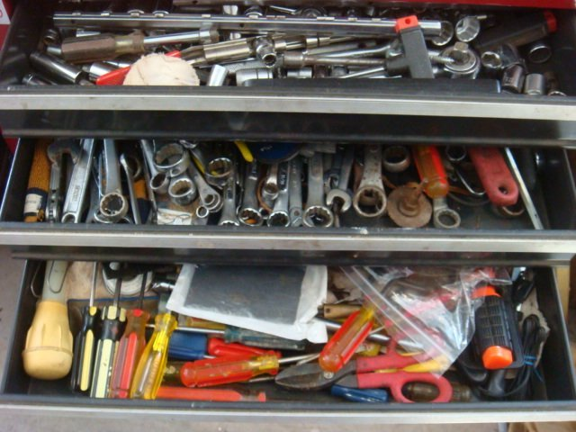 CRAFTSMAN Five Drawer Rolling Tool Chest & Auto Tools: - 2