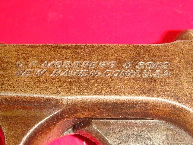 MOSSBERG, Brownie 22 CAL Four Barreled Pocket Pistol: - 3