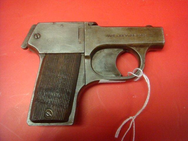 MOSSBERG, Brownie 22 CAL Four Barreled Pocket Pistol: - 4
