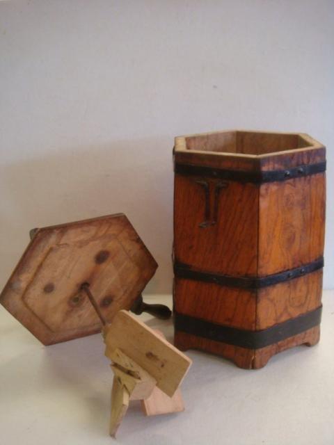 DAZEY Glass and Hexagonal Wooden Butter Churns: - 4