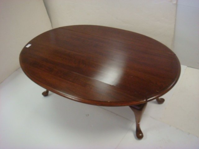 Cherry Queen Anne Drop Leaf Coffee Table: - 2