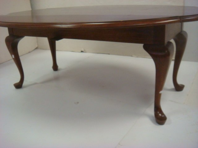 Cherry Queen Anne Drop Leaf Coffee Table: - 3