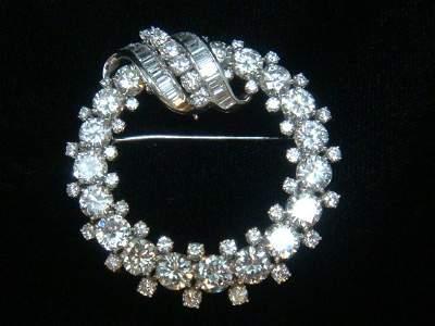 22KT White Gold Diamond Brooch with 82 Diamonds:
