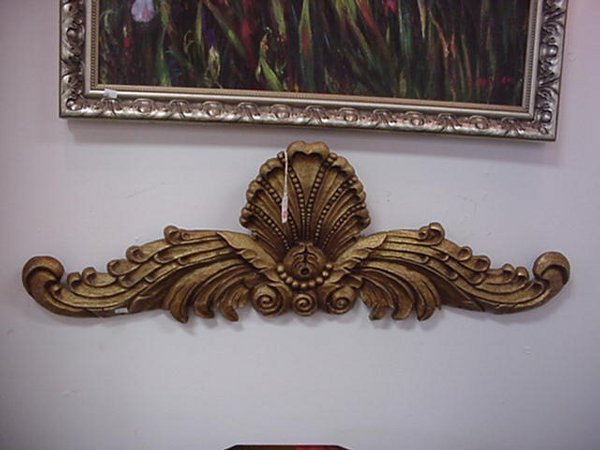 405: Gold Hand Carved Wooden Swag Wall Decoration: