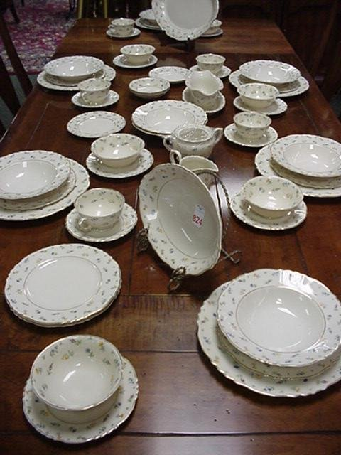 824: 64 Pieces Syracuse Federal Shape China: