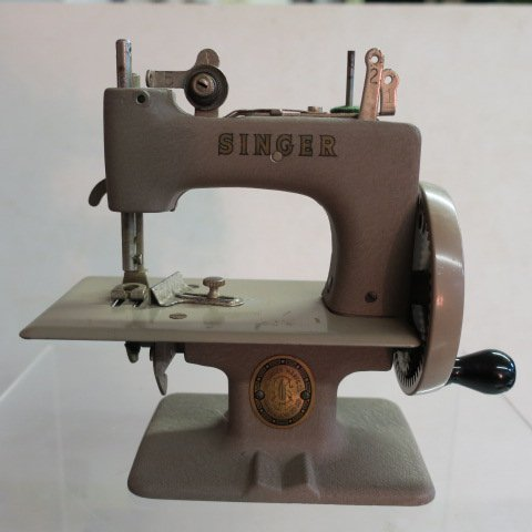"1950's Singer ""Sew Handy"" Mini Sewing Machine:"