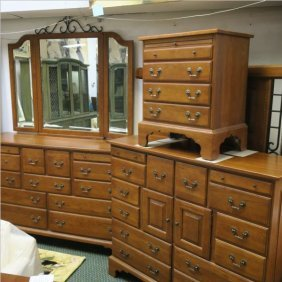 Keller Modern Oak Four Piece Queen Bedroom Suite: