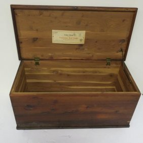 Roos Mfg Co Tennessee Red Cedar Chest: