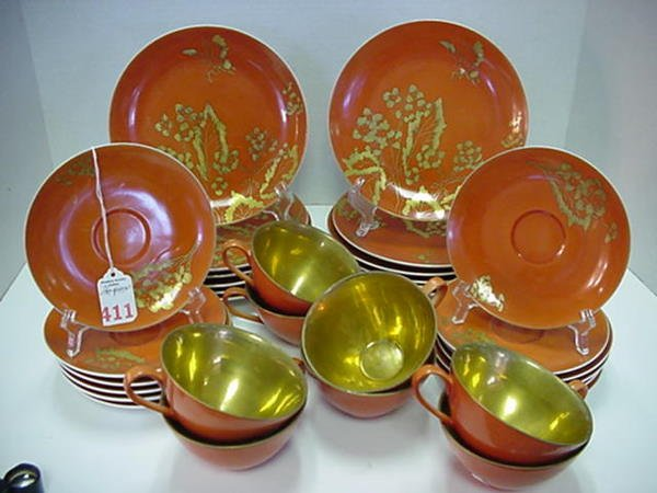 411: 36 Pieces of Dorothy Thorpe Persimmon China: