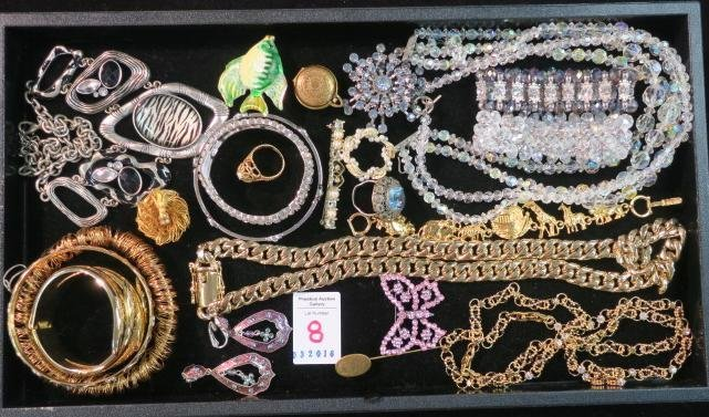 Medley of Attractive Ladies Costume Jewelry: