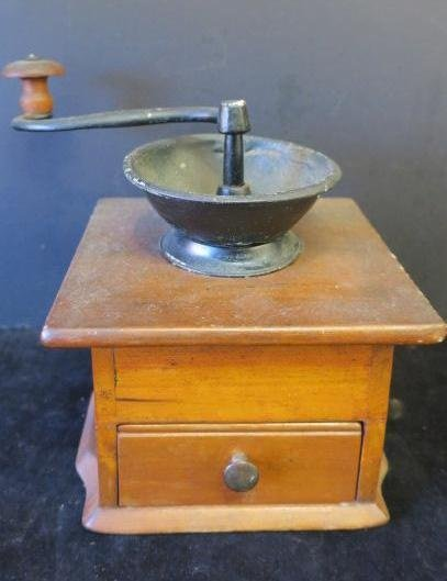 Coffee Grinder with Drawer and Crank: