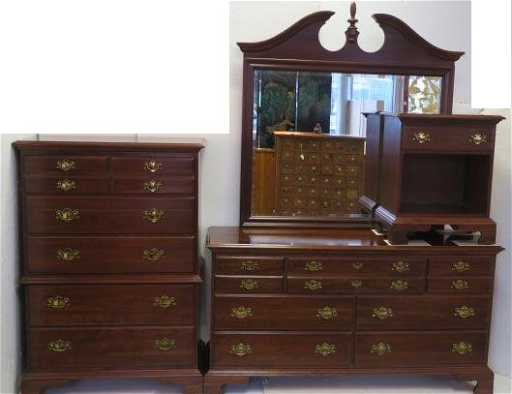 JAMESTOWN STERLING Cherry Finish 4 PC Bedroom Set