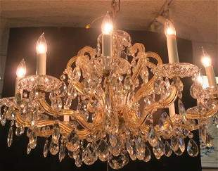 Elegant Cut Crystal 10 Light Chandelier: