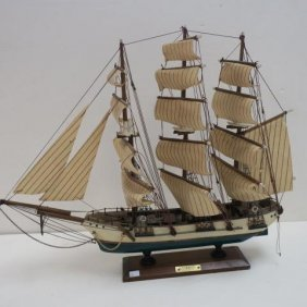 "Wooden Model Of ""clipper Xix E Siecle"""