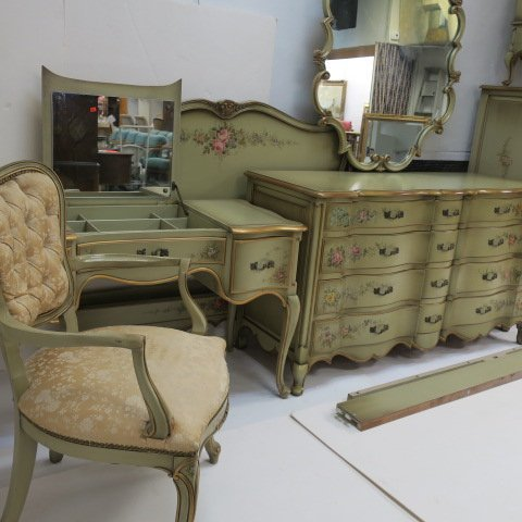 Union National 7 Piece French Provincial Bedroom Set: - 2