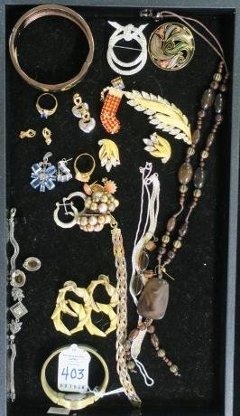 Selection of Ladies Costume Jewelry:
