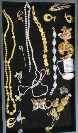 Medley of Ladies Costume Jewelry: