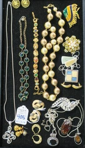Potpourri of Ladies Costume Jewelry: