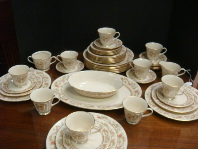LENOX Helmsley Dinnerware, 48 Pieces: