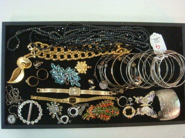 Medley of Ladies Costume Jewelry: