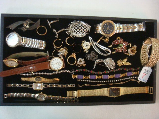 An Assemblage of Men's and Women's Jewelry: