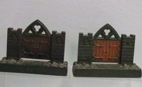 Two Pairs of Metal Bookends: - 5