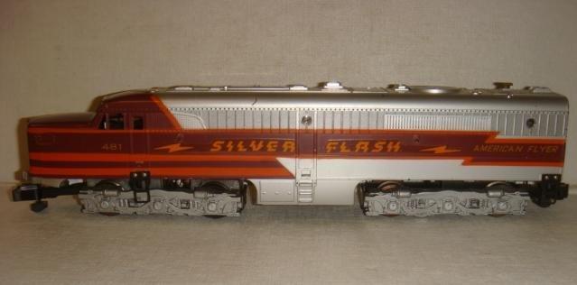 AMERICAN FLYER Train Set, 481 Silver Flash Diesel: - 2