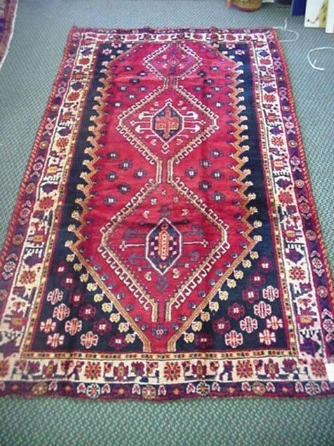 863: All Wool Hand Knotted Iranian Shiraz Rug: