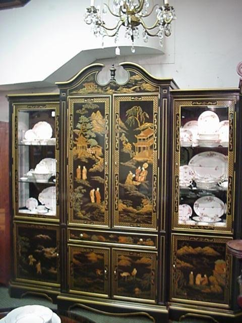 536B: 3 Section Henredon Black Lacquer Oriental Cabinet