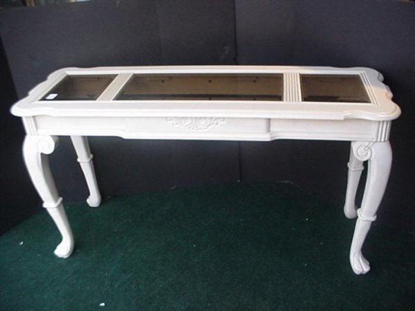 1556: Glass Top Shell Apron Cream Painted Sofa Table: