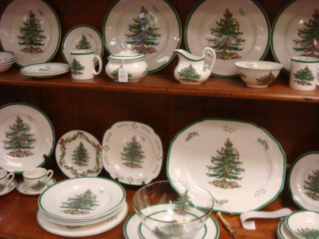 SPODE England Christmas Tree Dinnerware 35 Pcs: