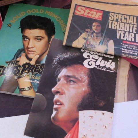 ELVIS PRESLEY Memorabilia, Gold Record, Book & Poster: - 4
