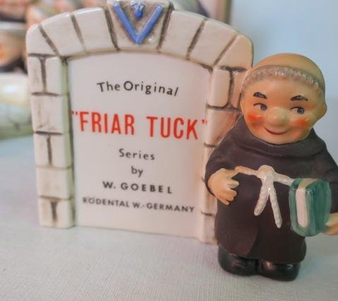 "W. GOEBEL ""FRIAR TUCK"" Series Collectibles, 30 Pcs: - 4"