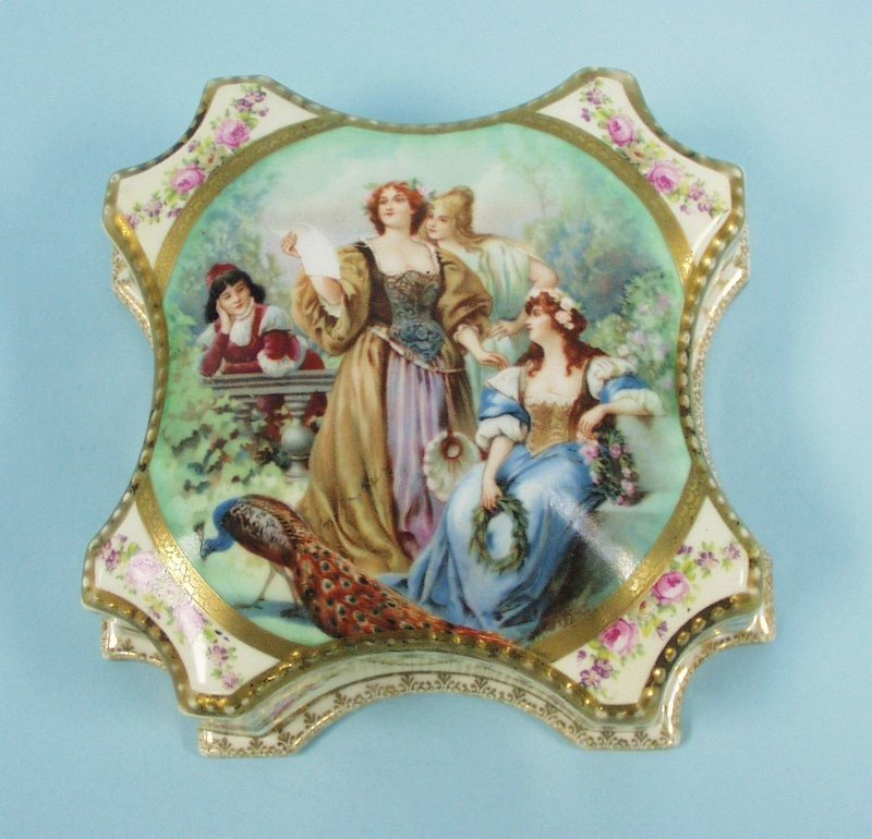 9: An unusual antique Old Vienna porcelain covered box
