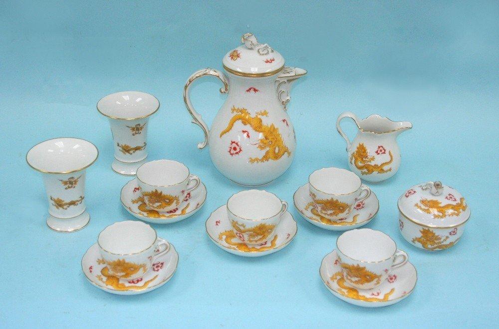 A finely handpainted Meissen porcelain demi-t