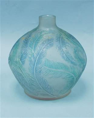 """ART DECO - R. LALIQUE - """"Plumes"""". A frosted and cle"""