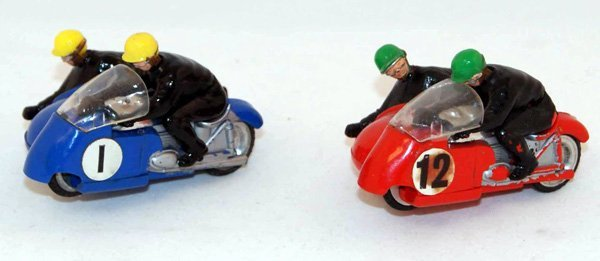 11: 2 x Unboxed Scalextric B2 Hurricane (Wheeled) inclu