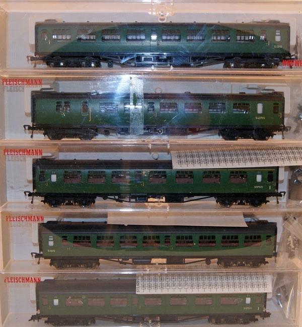 7: 5 x Fleischmann Southern Coaches including 2 x # 514