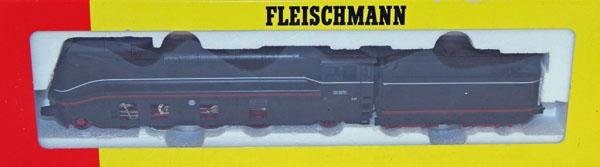 9: Fleischmann # 4171 4-6-2 Loco Black and Red.  Mint i
