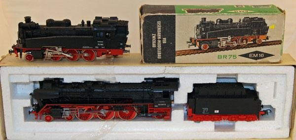 14: Piko # 56334 4-6-2 Loco Red and Black plus EM11 BR6