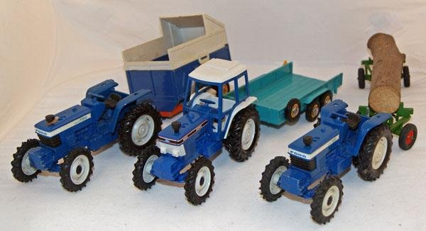 21: 7 x Britains Farm Vehicles including 3 x Tractor, 2