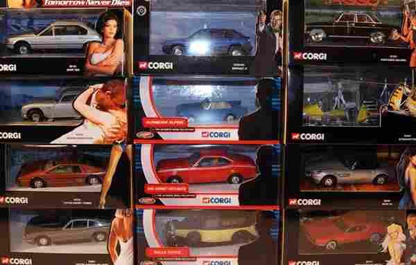 15 x Corgi James Bond Cars including AMC Hornet, A
