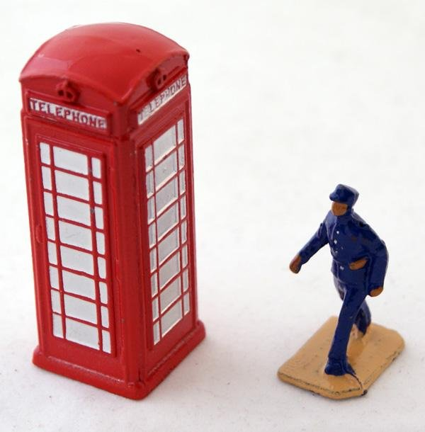 1: 2 x unboxed Dinky including # 750 Telephone Box, Red