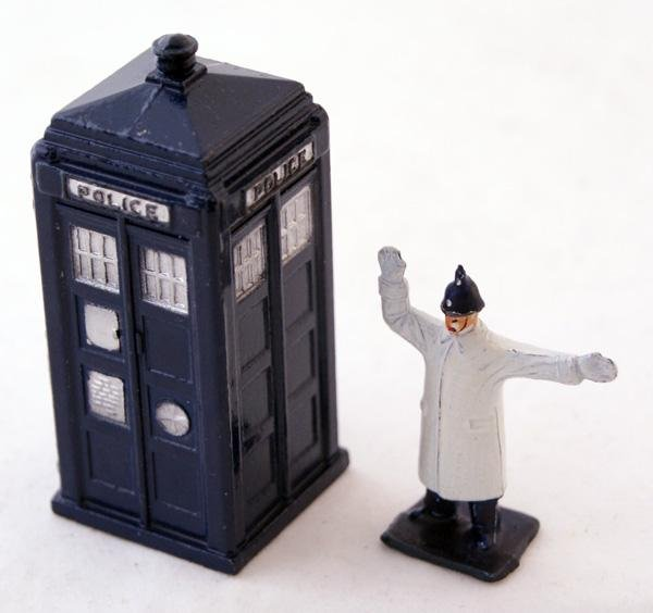 3: 2 x unboxed Dinky including # 751 Police Box, Dark B