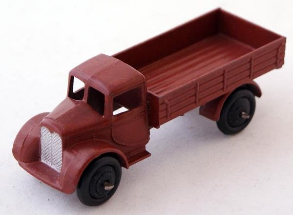 18: Unboxed Dinky # 22c Motor Truck with filled rear wi