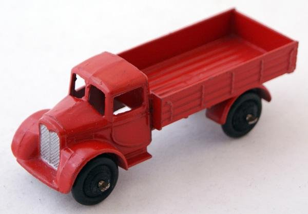 19: Unboxed Dinky # 22c Motor Truck with filled rear wi